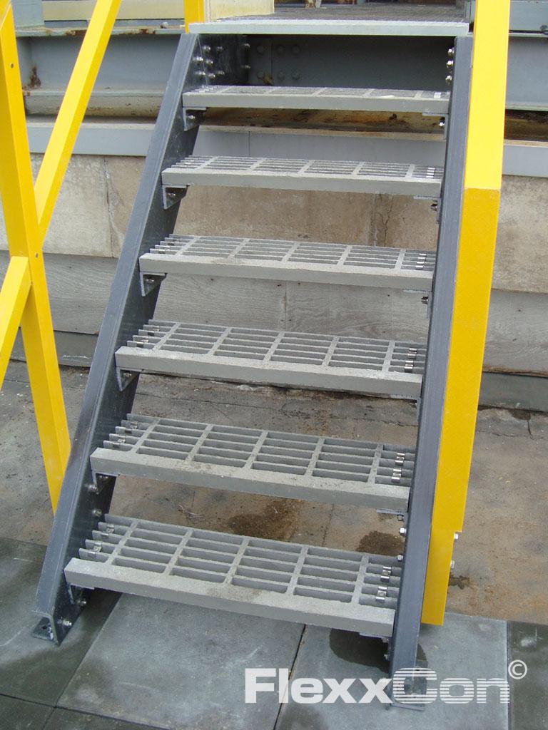 Flexxcon kunststof traptreden for Hoeveel traptreden heeft een trap